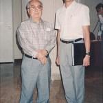 梁伯偉師傅與世界糸東流空手道連盟宗家摩文仁賢榮師範 於會後合照 Sensei Patrick P. W. Leung with World Shitoryu Karatedo Federation Master Kenei Mabuni, after the Special Meeting
