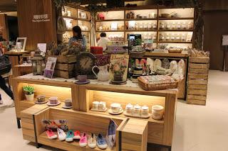 Eslite-book-store-at-Hysan-Place-Hong-Kong-04