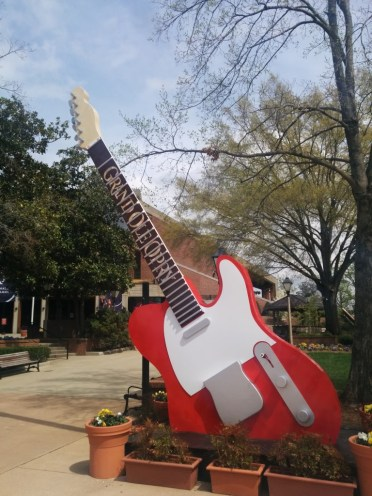Giant guitar in front of Opry