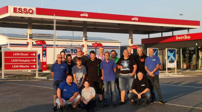 Benefiz Trucker Walking with Giants