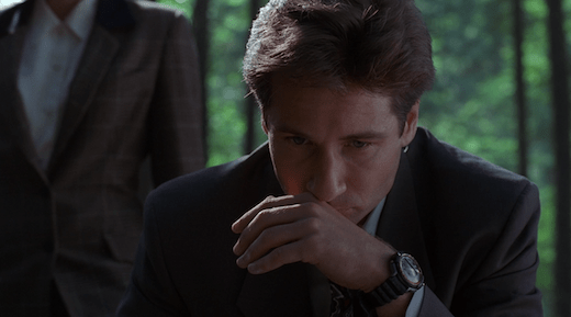 Mulder at the grave