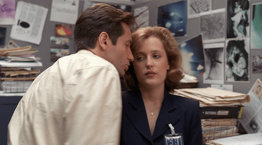 Mulder tells Scully how to pronounce Okobogee