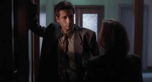 Scully soothes Mulder