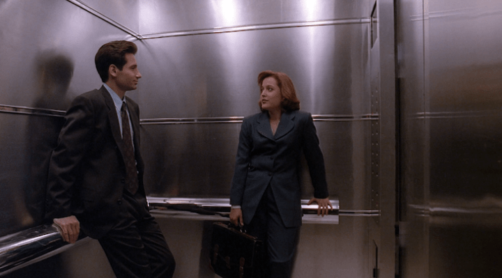 Mulder and Scully in Ghost in the Machine.
