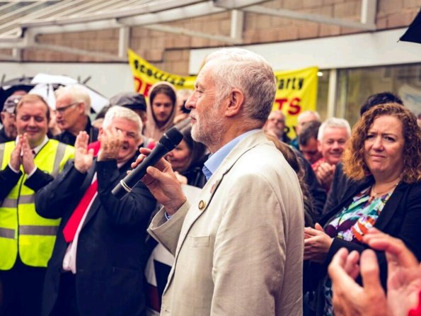 eremy Corbyn campaigning to stop closure of Coatbridge DWP