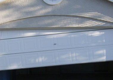 garage door chain off track