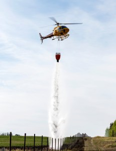 water bomber, forest fire, whitecourt, birthing, real world, photojournlism