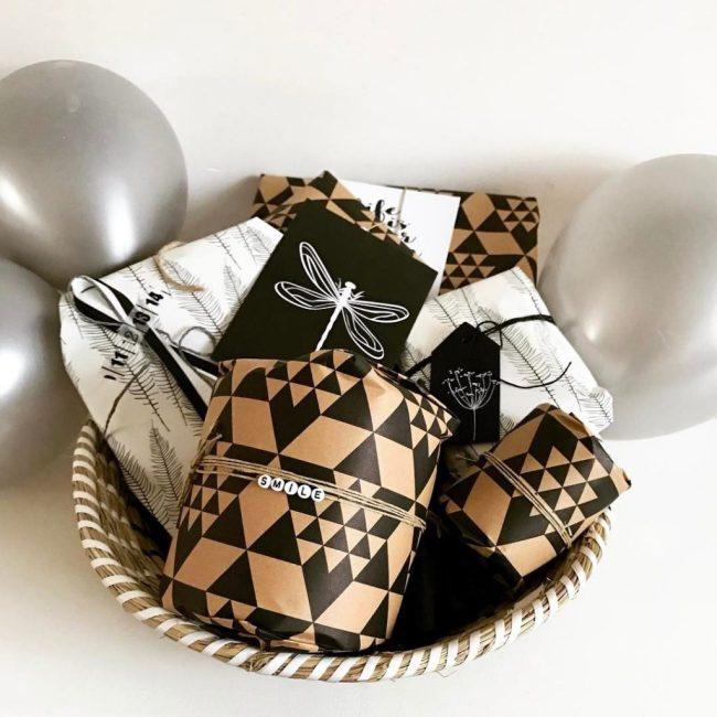 swap, swaps, swappen, inpakken, versieren, gift wrapping, inpakpapier, kadootje, kadootjes, gifts, wrapping, lootjes trekken, feest