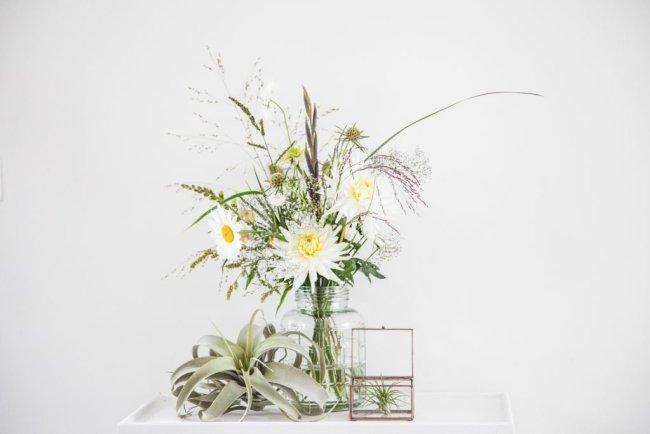 Plukboeket-veldboeket-airplant-dahlia-leucanthemum-siergras