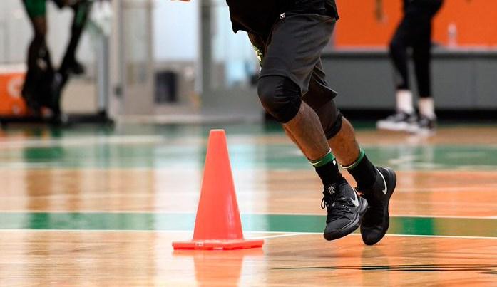4e67c3e16f84 Kyrie Irving ra mắt Nike Kyrie 5 tại buổi tập trước trận đấu với 76res mở  màn mùa giải NBA 2018-2019