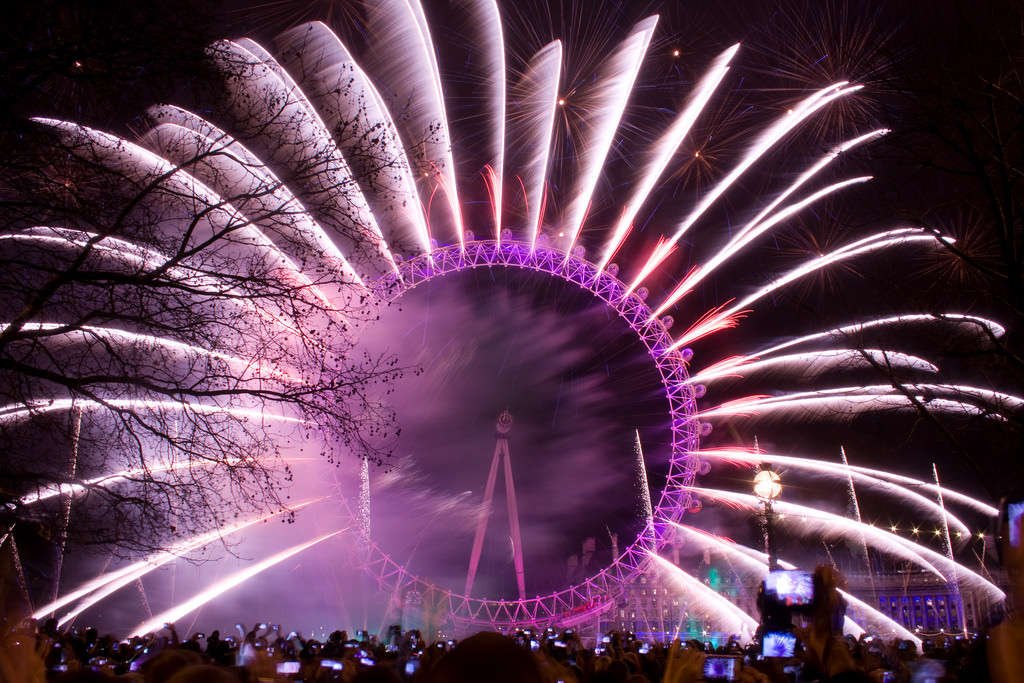 London New Year Eve Fireworks 2017   2017 Celebration London New Year Eve Fireworks 2017