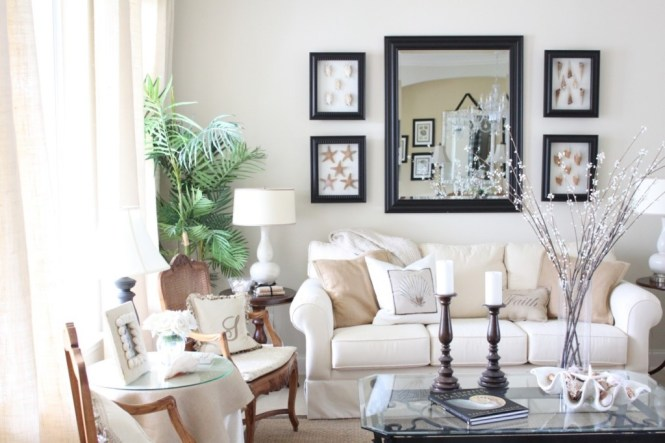 Traditional Apartment Living Room Design