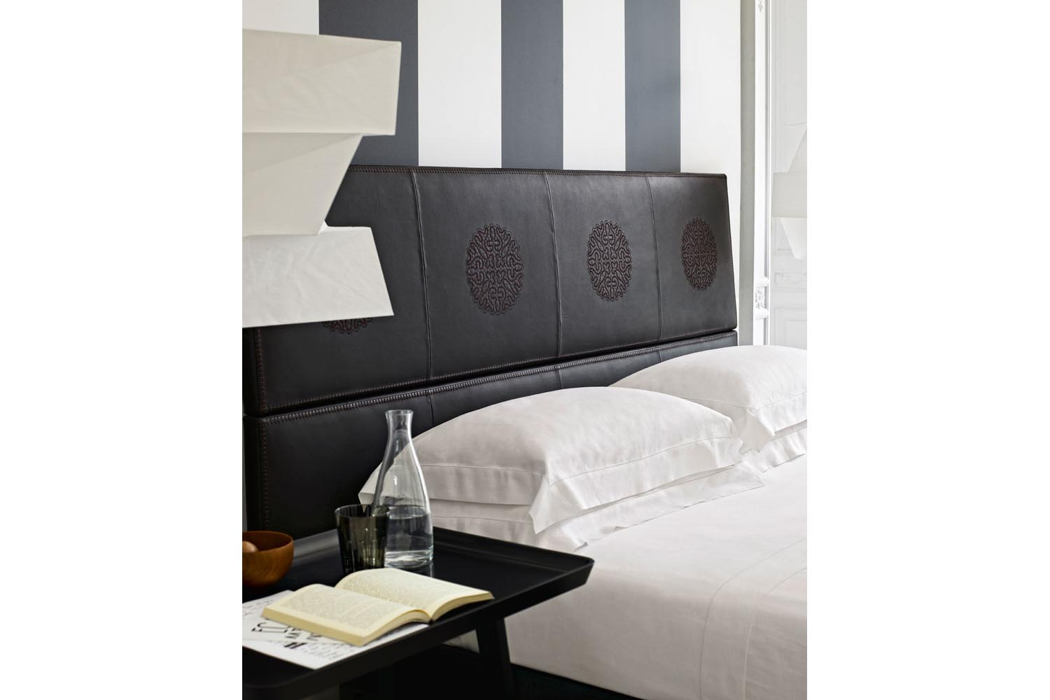 Lucrezia Bed With Erik Headboard By Antonio Citterio For