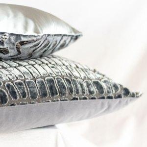 Designers Guild Kissen Nabucco Graphite Dunkelgrau Grau Muster Samt Rechteck Keder