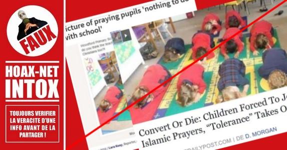 Non, ces enfants ne sont pas en position de prière musulmane !