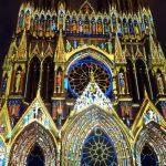Lysshow på katedralen i Reims