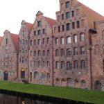Bygninger ved byporten