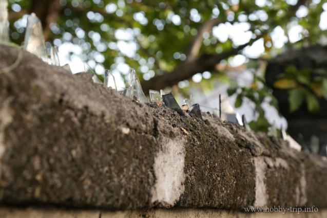 Охрана на оградата 1 - Кута, Бали