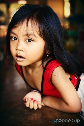 Portrait a little indonesian gurl - Bali, Indonesia