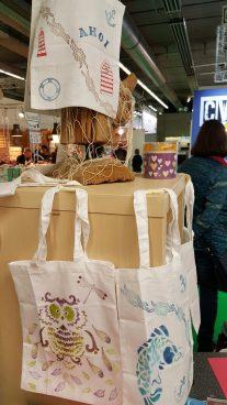 Textilien gestalten mit Stempelkissen für Textil