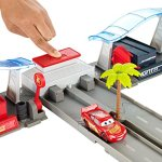 Disney-Pixar-Cars-3-Florida-Speedway-Pit-Stop-Playset-0-2