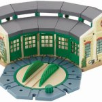 Fisher-Price-Thomas-Friends-Wooden-Railway-Tidmouth-Sheds-Train-Station-0