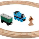 Fisher-Price-Thomas-the-Train-Wooden-Railway-Oval-Starter-Set-0