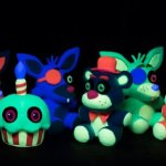 Funko-Five-Nights-at-Freddys-Blacklight-Plushies-Set-Glow-in-the-Dark-0-1