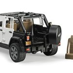 Jeep-Rubicon-Police-car-with-Policeman-0-2