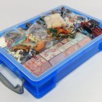 Play-Therapy-Sand-Tray-Basic-Portable-Starter-Kit-with-Tray-Sand-and-Miniatures-0-1