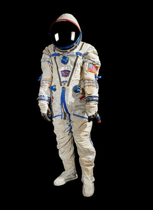 KenBowersoxSpacesuitISSExpedition6