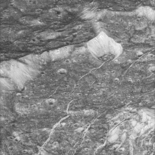 Grooves on Saturn moon Dione