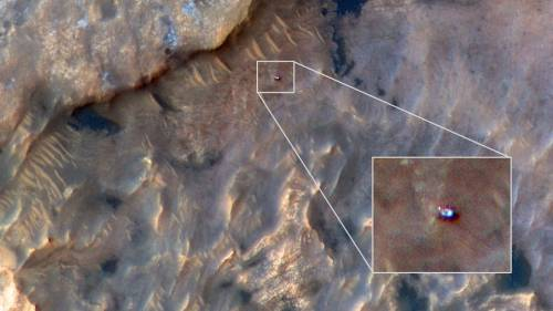 HiRISE Spots Curiosity Rover at Mars' 'Woodland Bay'
