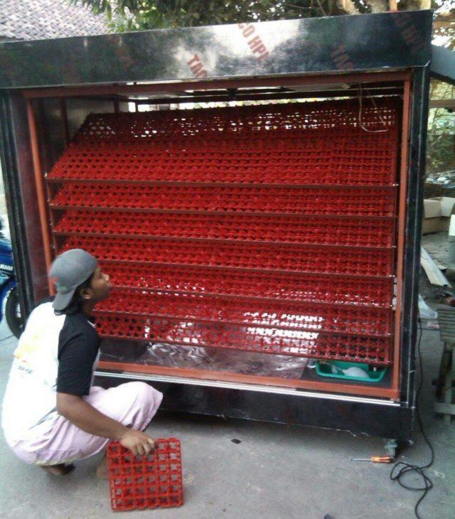 Tahap Pengecekan Kuliatas untuk Mesin Penetas Telur Otomatis Kapasitas 5000 Sebelum di Kemas dan di Kirim