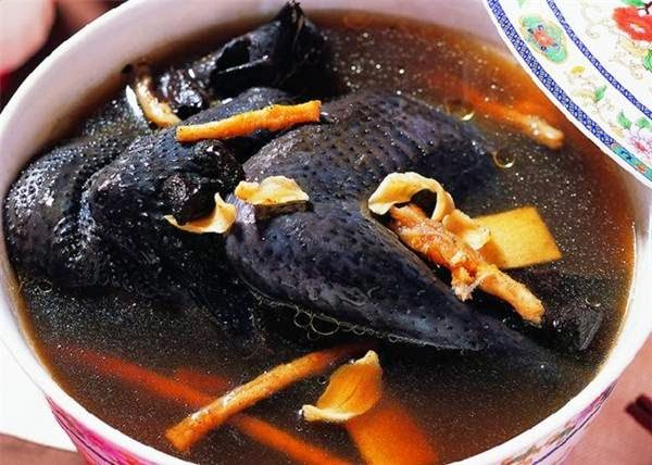 Cemani chicken meat herbs soup is one of favorable dish made from cemani chicken meat.