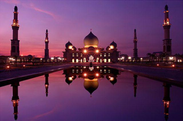 Salah satu masjid terbesar yang berada di Kota Pekanbaru Riau