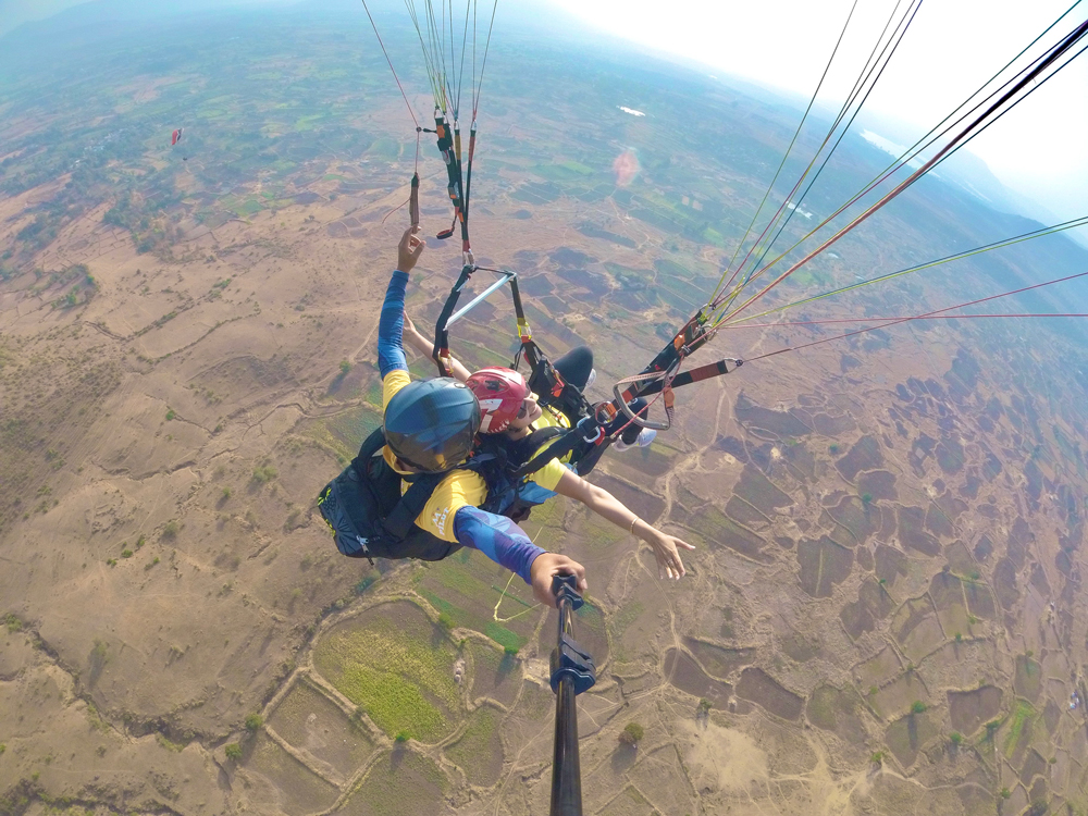best places for paragliding in maharashtra near Pune and Mumbai
