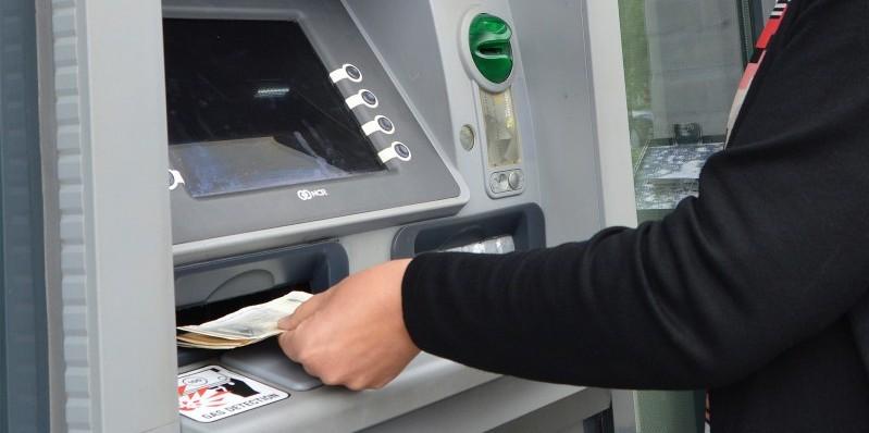 regler for kontant indbetaling i bank