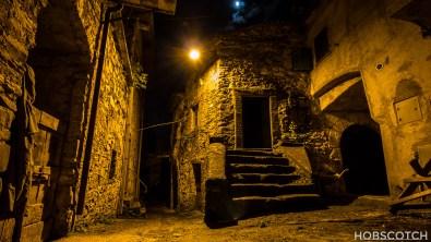 Tavernelle bei Nacht