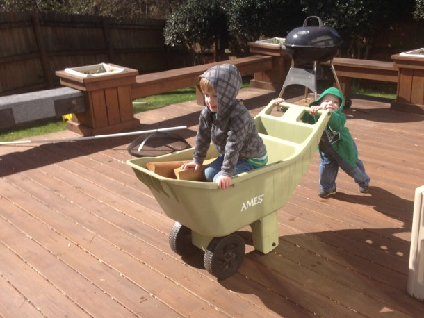 boys backyard wheelbarrow