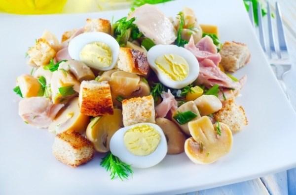 салат из яиц на завтрак