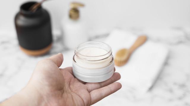 Как справиться с акне: 15 советов по уходу за проблемной кожей