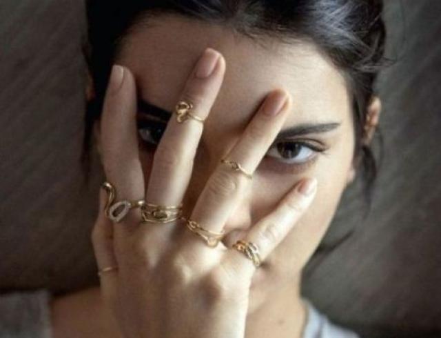 Богатые тоже плачут: с каждым днем кожа Кендалл Дженнер становится все хуже