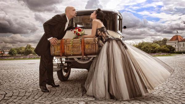Hochzeit-Ftoshooting mit Oldtimer