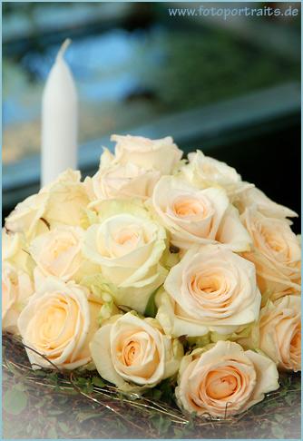 Preise für Fotoabzüge: Brautstrauß mit Kerze