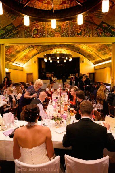 Abendessen bei einem Hochzeitsfeier