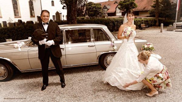 Hochzeitsreportage 06: Ankunft der Braut zur Kirche