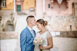 Hochzeitsfotografie Eifelpics Brautpaar im Schloß Burgau in Düren / NRW Brautpaar vor schloss Burgau Kreis Düren