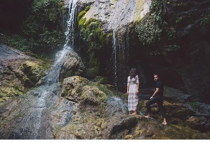 olivia richard waterfall engagement 0002a