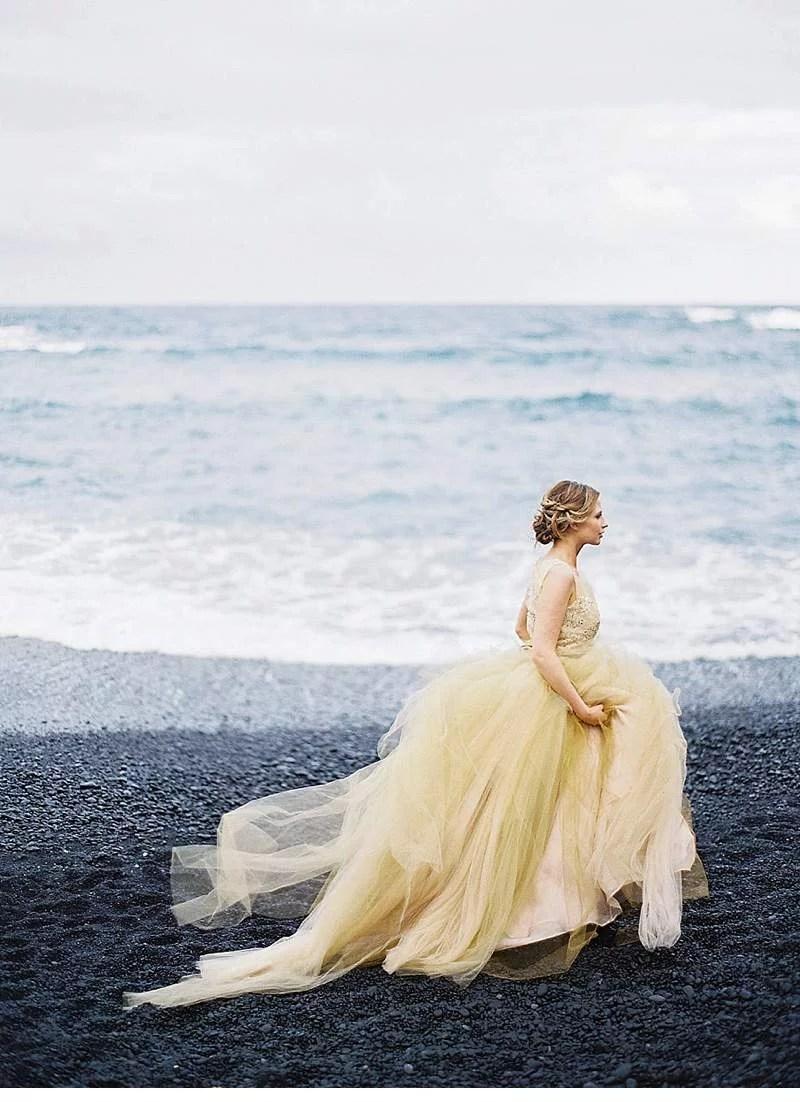 strandhochzeit-brautkleid-schwarz-gold-hawaii_0018